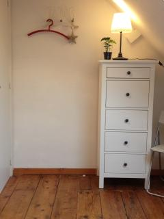 Bedroom #3, 'Parc': in a single or in a double bed setting. Cosy, light flooded and comfortable