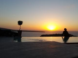 'SWINGING SUNSET' villa  Private Pool & Spa, Oiã