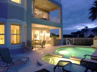 RATED # 1 VACATION RENTAL IN FLORIDA - Private Pool/Spa, Elevator, Gourmet Kitch