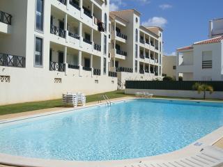Cravinho Apartments w/pool + WIFI - Albufeira