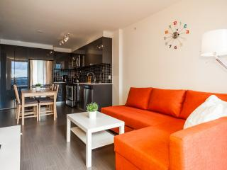 Amazing sunsets, 1 Bed, Park, heart of downtown