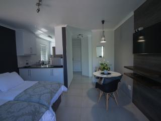Cat's Eye Cottage, Brackenfell