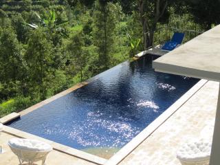 Room in Brand New Luxury Villa, Kaliasem