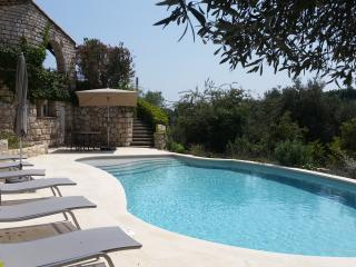 A PARISIAN HOTELIER'S BOLT HOLE: BEAUTIFUL VILLA, Tourrettes-sur-Loup