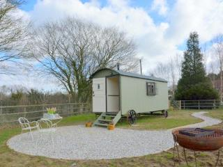 Fab & luxurious glamping, shower room, logburner, Benenden