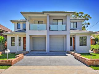 AUSTRAL VILLAs  SYDNEY - Ideal for Larger groups, Westmead