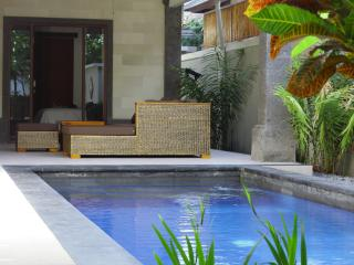 Villa Yuni - three bed, pool, aircon, comfortable!, Sanur