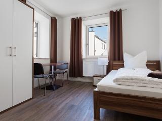 Modernes Apartment mit Kuche und sky-TV