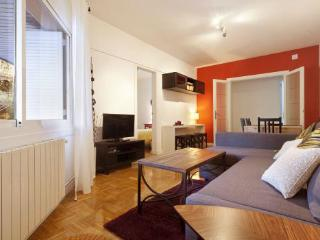 3BR/1BA by Arc de Triomf for 8 people - BCN