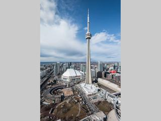 STERILIZE CLEAN 2BD Condo CN Tower and Lake Ontario View