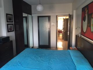 One comfortable airy room with bath in S. Mumbai