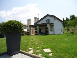 Summer House with Beautiful Garden in Siviri, Fourka