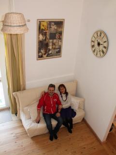 Barbara e Alessandro, gli host della casa.