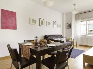 3BR/1BA Sagrada Familia Terrace Apt for 7 - BCN