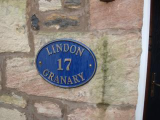Lindon Granary - Cosy Seaside Cottage, Seahouses