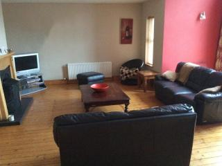 Spacious modern 5 Bedroom Townhouse, Portstewart