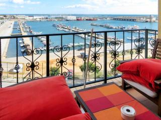 Algarve flat with sun terrace, Olhao