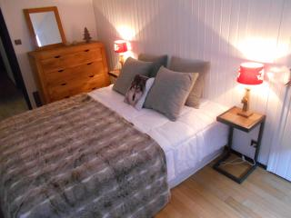Double bed with stunning views. All double beds can be made into single beds if needed.