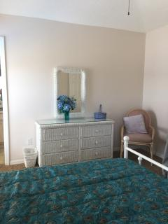 Master Bedroom - Dressing table area