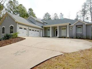 Spacious Home in Metro Atlanta, Kennesaw