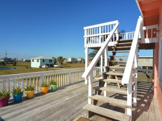 Hunky Dory, beach cottage with a fishing fettish :