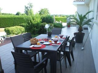 une terrasse pour le petit déjeuner