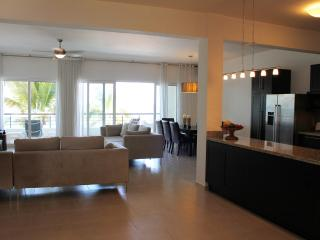 4 bedroom Beachfront Penthouse, Sosua
