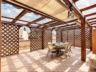 Terrace Dream apartment in San Giovanni {#has_lux…, Sacrofano