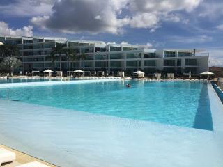Condominios Acqua Nuevo Vallarta (beach front)