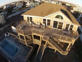 Oceanfront - View! Huge House, pool, hot tub, pet friendly, Large Rec. Room,WH32