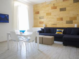 Sant'Antonino Home Holidays- Porta Nuova Apartment, Marsala