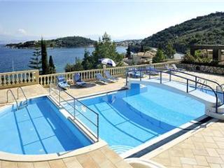Dimitrios Apartments (One Bedroom)