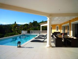 Novio 199225 luxurious modern villa for 10 people , airconditioning, pool 10 x 5, Ste Maxime