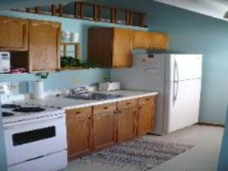 Three cozy family and friends vacation cottages, Grand Bend