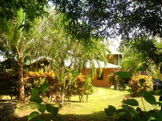 Casa Paraíso, Pavones