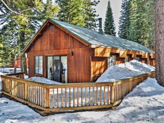 Rustically Cozy 2BR Truckee Cabin in Tahoe Donner w/Private Deck & Wood Burning Stove - Close to Donner Lake, Old Town Truckee, Lake Tahoe, Major Ski Areas & Golf Courses!