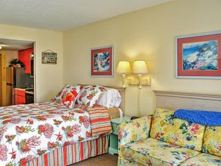 Vibrant Myrtle Beach Studio w/Amazing Ocean Views, Private Balcony, Wifi & Pool Access - Steps to the Beach! Minutes to Ocean Annie's, Golf, Broadway at the Beach & More