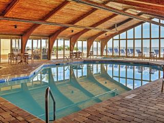 Cozy Beachfront Myrtle Beach Studio w/Pool Access!