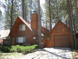 THURS are FREE w/weekend booking: Upgraded Cabin!!, Big Bear Region