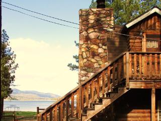 BUDGET FRIENDLY LAKE FRONT  175p/n POOL TABLE/WIFI, Big Bear Region
