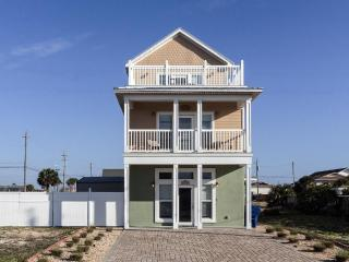"""Casa Cobia"" .Wonderful Beach Home.HEATED POOL"