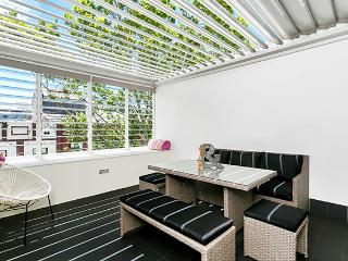 MP287 - Convenient Studio, Clever Outdoor Space, Cremorne