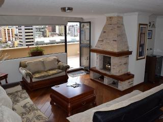 Gorgeous Penthouse, Prime Location, Huge Terrace, Cumbaya