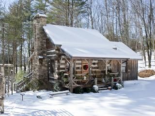 Little Creek - Antique Log Cabin-Near Boone, Fleetwood