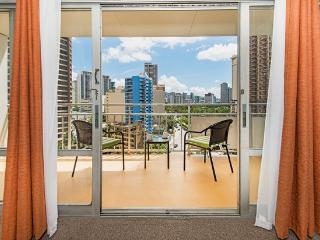Ilikai Hotel Condo with City View and Full Kitchen