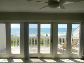 3BR Oceanfront Townhouse with AMAZING VIEW & Pool!, Pine Knoll Shores