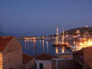 Villa Dolphins sea view apartments, Halki