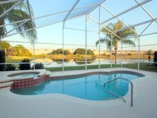 Stunning 6 Bed 4 Bath (3 Masters) LAKESIDE House ., Kissimmee