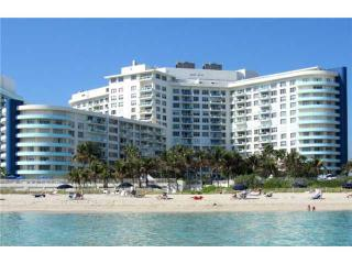 Beach front condo 2/2 balcony with garden view, Miami Beach