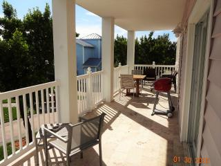 Spacious Two Bedroom Two Bathroom, Sleeps 6, Bimini